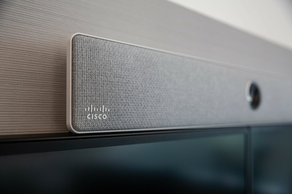 Cisco Soundbar seitlich